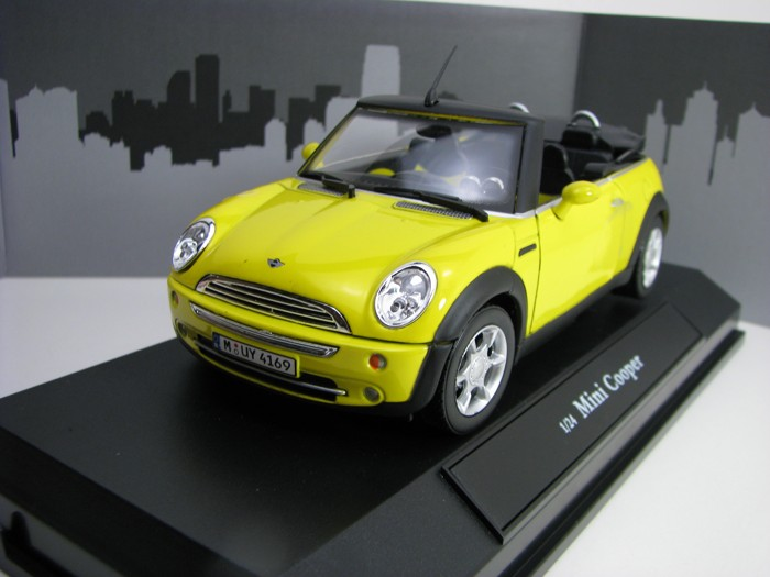 Mini Cooper New Cabrio Yellow 1:24 Cararama